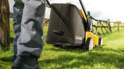 Tondeuse à gazon thermique gamme LM2 Cub Cadet